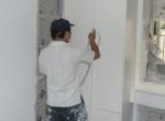 油漆师傅工作中
