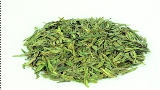 越乡高山有机白茶树生长在浙江省嵊州市海拔800米以上的高山地区.