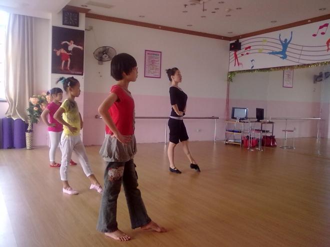 少儿学习芭蕾的好处!