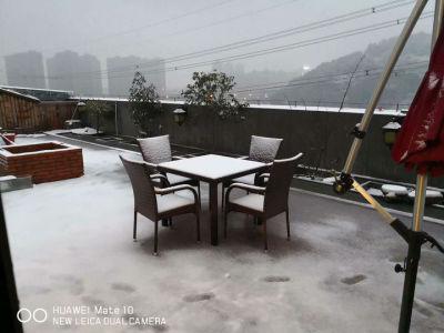 屋顶花园雪景